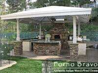 Giardino Outdoor Pizza Oven in Outdoor Kitchen with Pergola - Rock