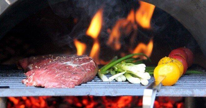 steak and tomato