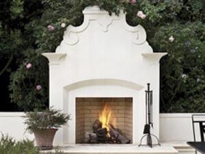 Forno Bravo fireplace kit in backyard