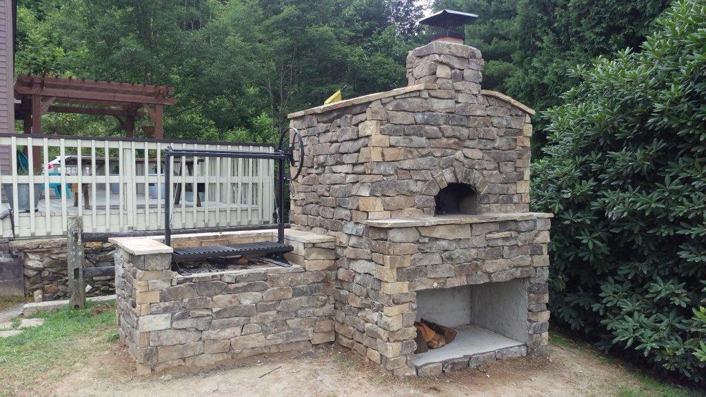 Casa90 Pizza Oven - Argentinian grill - Stone facade