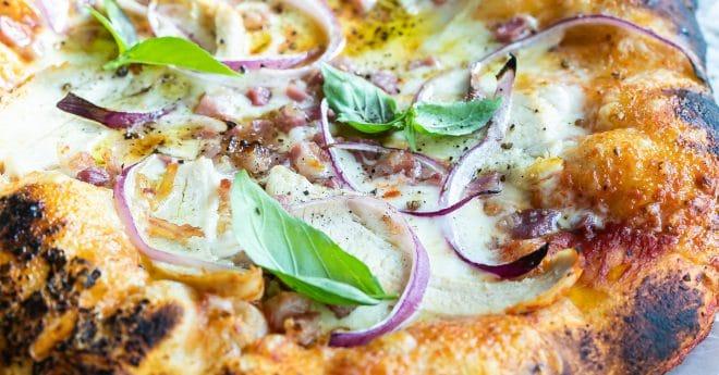 chicken pancetta pizza with basil